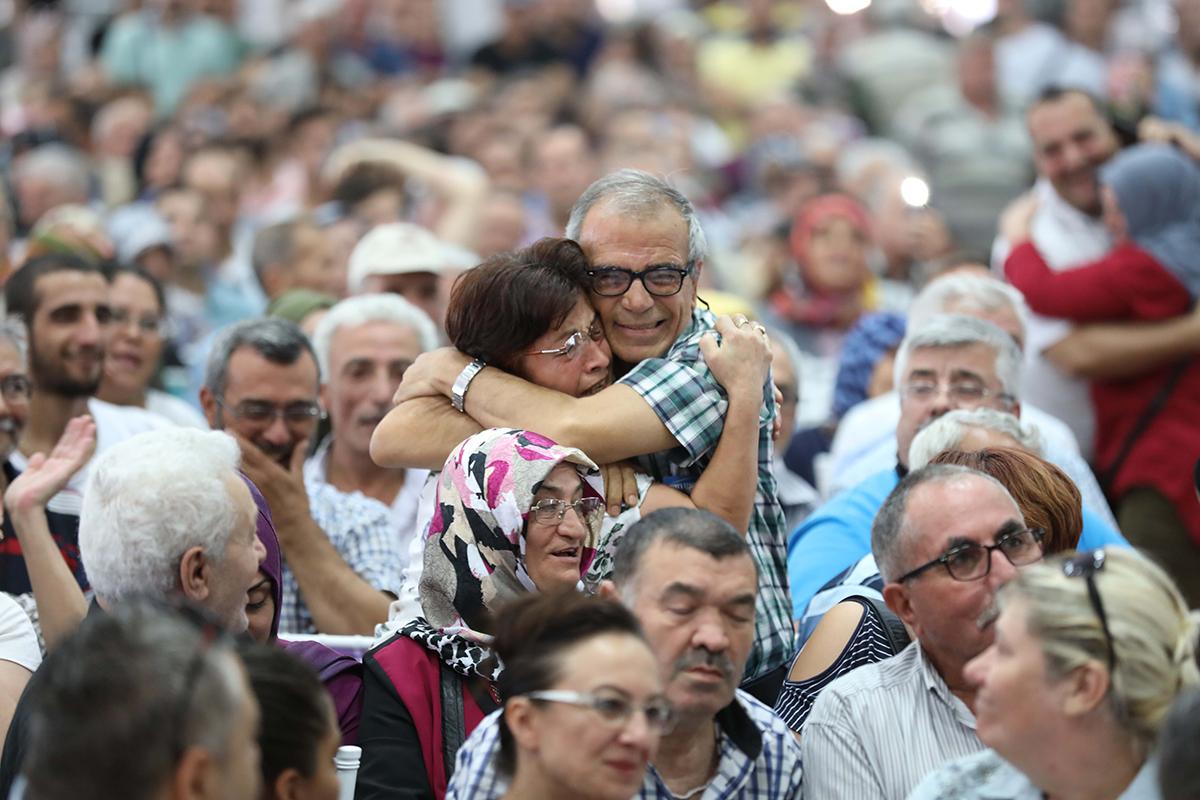 Manisa'da sevinç ve gözyaşı bir arada