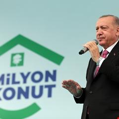 TOKİ tarafından inşa edilen 1 milyonuncu konutun anahtarı teslim edildi